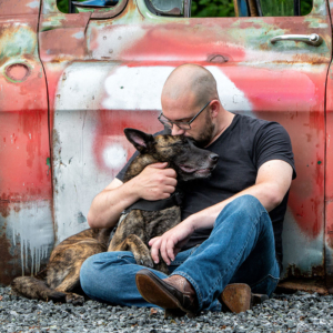 Loudoun County Dog Photographer photo of man with his dog